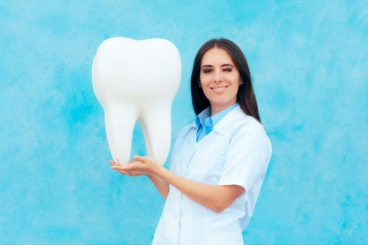 molar